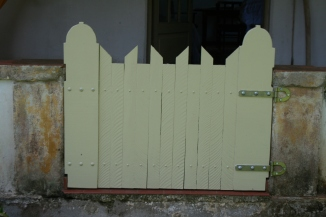 DIY Gate My Veranda